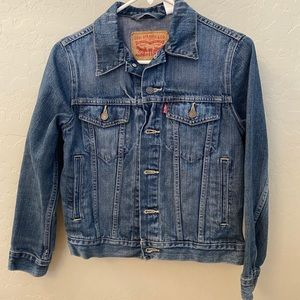 Women's Levi denim jacket